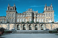 Sir John Vanbrugh: Blenheim Palace, southern elevation. Library is behind the windows. Photo '05.