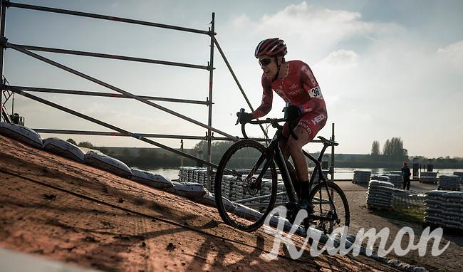 up the bridge<br /> <br /> Elite Men's Race<br /> Soudal Jaarmarktcross Niel 2016