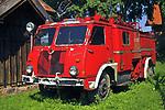 Węgorzewo, 2007-08-07. Wóz strażacki w Muzeum Kultury Ludowej w Węgorzewie.