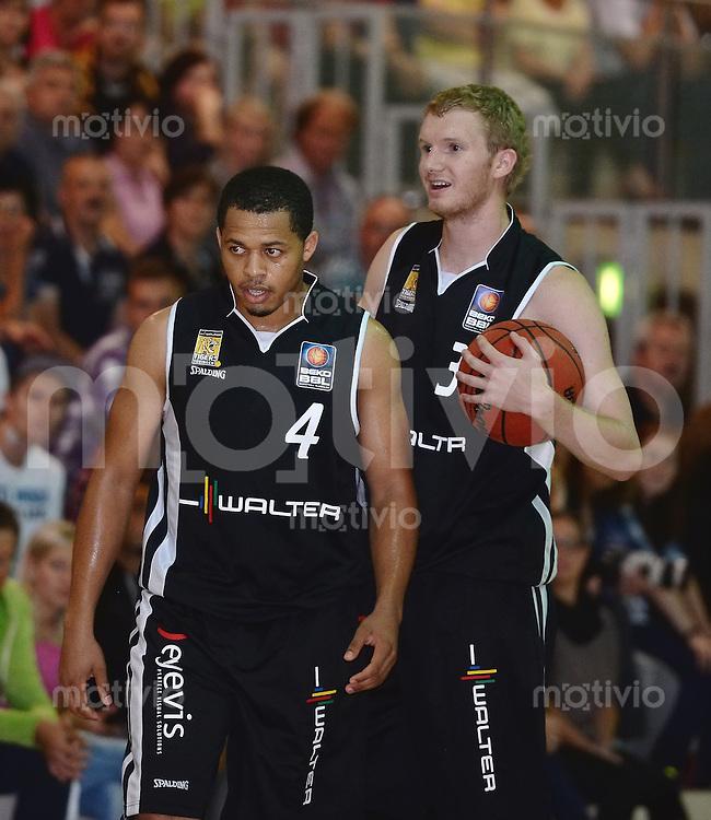 Basketball 1. Bundesliga 2013/2014  28.08.2013 Testspiel Kirchheim Knights - Walter Tigers Tuebingen Jonathan Wallace (li, Tigers) und Ben Simons (Tigers)
