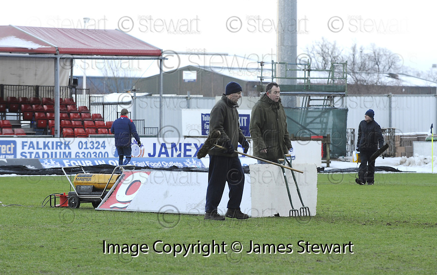 02/01/2010  Copyright  Pic : James Stewart.sct_jspa11_falkirk_v_st_johnstone  .:: FALKIRK STAFF TRY TO GET THE GAME ON :: .James Stewart Photography 19 Carronlea Drive, Falkirk. FK2 8DN      Vat Reg No. 607 6932 25.Telephone      : +44 (0)1324 570291 .Mobile              : +44 (0)7721 416997.E-mail  :  jim@jspa.co.uk.If you require further information then contact Jim Stewart on any of the numbers above.........