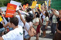 RIO DE JANEIRO-18/06/2012- Mobilizacao  Marcha a Re, iniciando na Cupula dos Povos, Museu de Arte Moderna, Aterro do Flamengo, zona sul do Rio e percorrendo o centro do Rio.Foto:Marcelo Fonseca-Brazil Photo Press