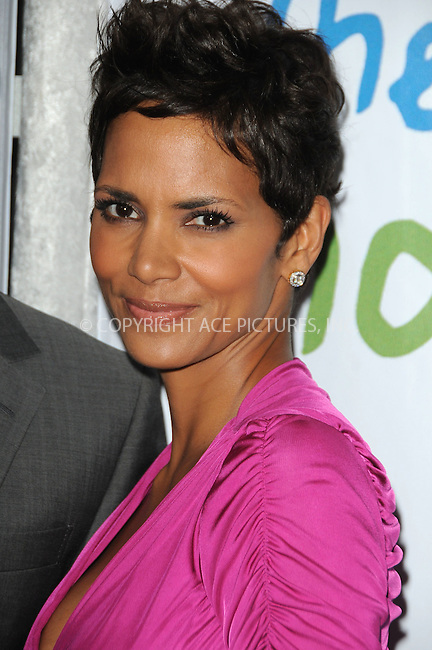 WWW.ACEPIXS.COM . . . . . ....April 17 2011, Los Angeles....Actress Halle Berry arriving at the 2011 Jenesse Silver Rose Auction and Gala at the Beverly Hills Hotel on April 17, 2011 in Beverly Hills, CA....Please byline: PETER WEST - ACEPIXS.COM....Ace Pictures, Inc:  ..(212) 243-8787 or (646) 679 0430..e-mail: picturedesk@acepixs.com..web: http://www.acepixs.com