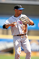 March 20, 2010:  Shortstop Alex Cora of the New York Mets during a Spring Training game at Roger Dean Stadium in Jupiter, FL.  Photo By Mike Janes/Four Seam Images