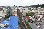 AME8560. CONCEPCIÓN (CHILE), 31/10/2019.- Manifestantes toman las calles durante el décimo tercer día de protestas contra el Gobierno, este jueves en Concepción (Chile). EFE/ Diego Ibacache