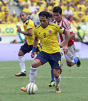 BARRANQUILLA-COLOMBIA.12-10-2012.Radamel Falcao García jugador  de la selección Colombia de fútbol de mayores.Encuentro con Paraguay.Eliminatorias Brasil 2014.Radamel Falcao Garcia player of Colombia soccer team in action .Macht Colombia between Paraguay.Brazil 2014 World Cup.Photo:VizzorImage/Felipe Caicedo. .