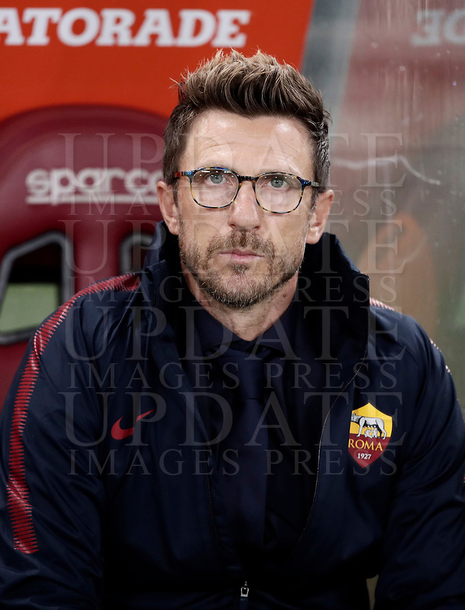 Calcio, Serie A: Roma, stadio Olimpico, 16 settembre 2017.<br /> AS Roma's coach Eusebio Di Francesco waits for the start of the Italian Serie A football match between AS Roma and Hellas Verona at Rome's Olympic stadium, September 16, 2017.<br /> UPDATE IMAGES PRESS/Isabella Bonotto