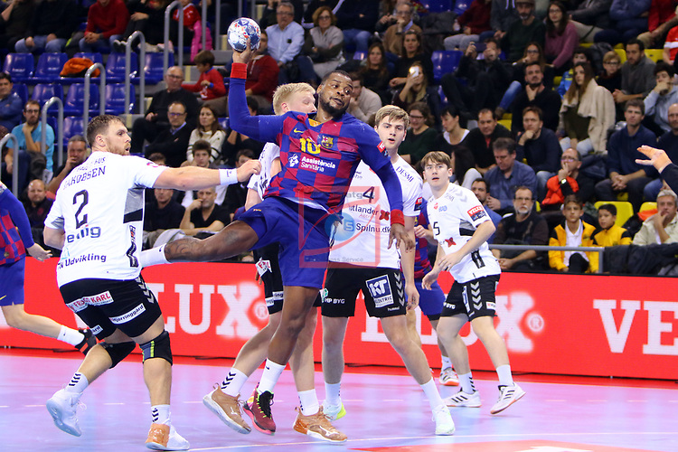 VELUX EHF 2019/20 EHF Men's Champions League Group Phase - Round 8.<br /> FC Barcelona vs Aalborg Handbold: 44-35.<br /> Benjamin Jakobsen vs Cedric Sorhaindo.