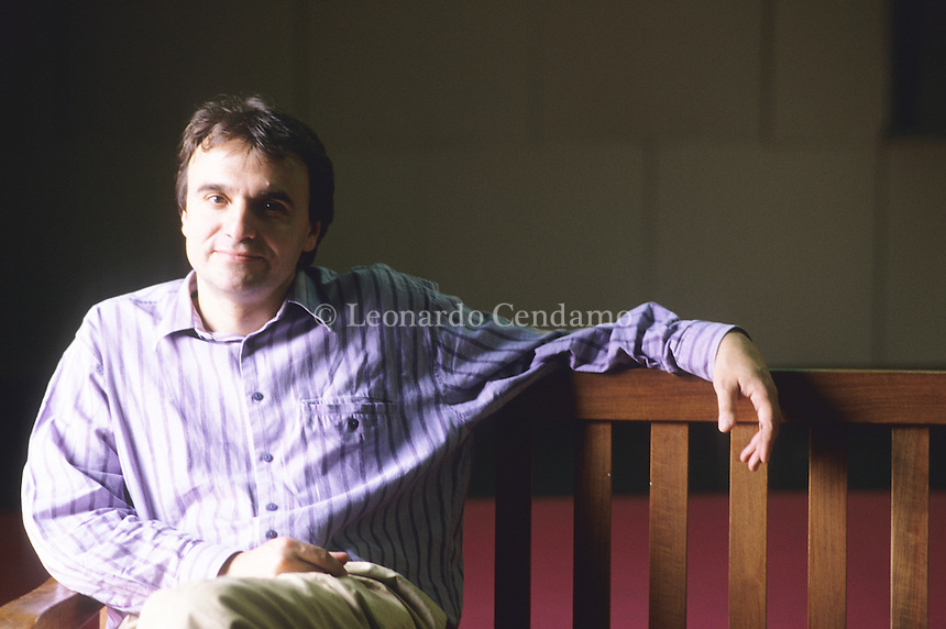 Enrico Palandri, reader in Italian Literature and Writer in Residence (UCL), Professore Associato di Teoria della Letteratura (Universita' di Venezia 'Ca' Foscari'). Torino, 2000. © Leonardo Cendamo
