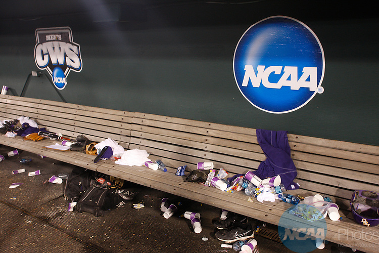 24 JUNE 2009:  Louisiana State University takes on the University of Texas during the Division I Men's Baseball Championship held at Rosenblatt Stadium in Omaha, NE.  Jamie Schwaberow/NCAA Photos