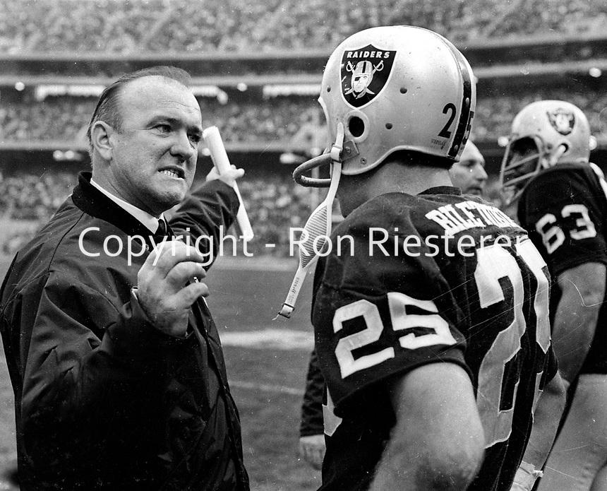 Oakland Raiders coach John Rauch with Fred Biletnikoff..(1969 photo/Ron Riesterer)