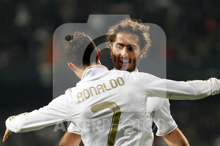 Real Madrid's Cristiano Ronaldo (l) and Hamit Altintop celebrate goal during Spanish King's Cup match.January 18,2011. (ALTERPHOTOS/Acero)