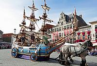 Nederland - Bergen op Zoom - 16 september 2018. De Blauwe Schuit. Religieus erfgoed. Op zondag 16 september 2018 vindt in Bergen op Zoom de Brabant Stoet plaats. Dit is een grootst opgezet festival van de lopende cultuur. Deze vorm van cultuur is kenmerkend voor Brabant. In de Brabant Stoet zijn zo'n honderd vormen van lopende (en rijdende) cultuur te zien zoals gilden, fanfares, steltlopers, reuzen, carnaval, ommegangen en praalwagens. De Brabant Stoet wordt samengesteld met groepen uit zowel Noord-Brabant als Vlaams- en Waals-Brabant. Foto Berlinda van Dam / Hollandse Hoogte
