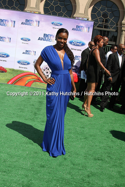 LOS ANGELES - JUN 26:  Nadine Ellis arriving at the 11th Annual BET Awards at Shrine Auditorium on June 26, 2004 in Los Angeles, CA
