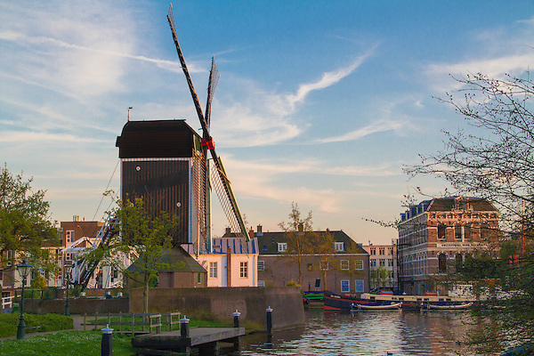 Netherlands, Leiden. <br /> Simple, maybe too simple. Saved by a nice sky and the golden light.<br /> Windmill at sunset.