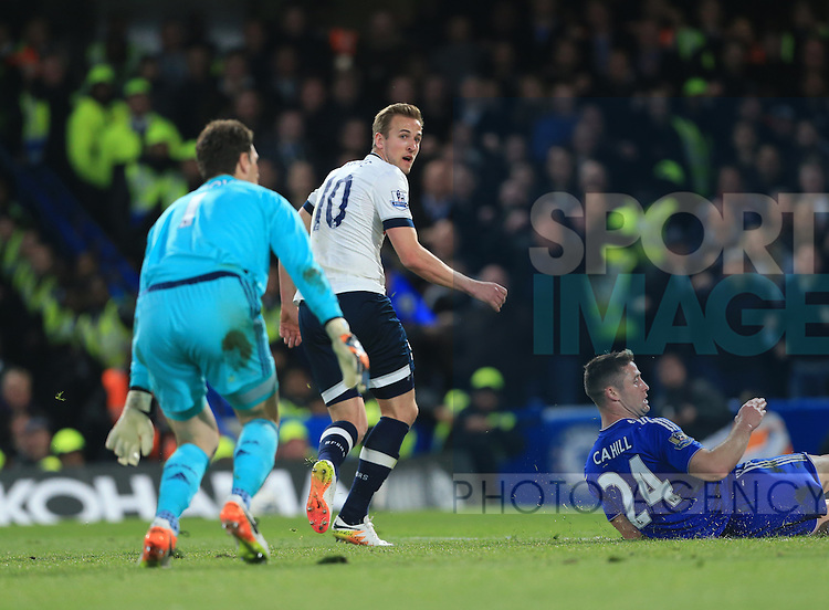 Tottenham's Harry Kane celebrates scoring his sides opening goal during the Barclays Premier League match at Stamford Bridge Stadium.  Photo credit should read: David Klein/Sportimage