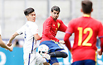 Spain's Alvaro Morata (r) and South Korea's Keehee Kim during friendly match. June 1,2016.(ALTERPHOTOS/Acero)