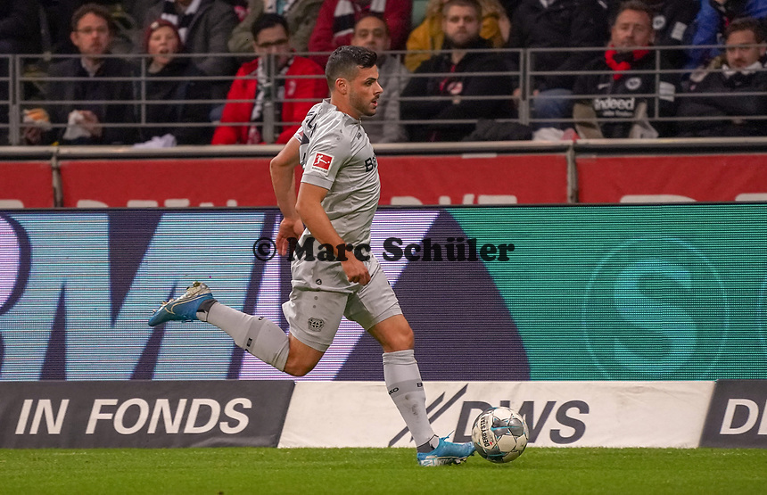 Kevin Volland (Bayer Leverkusen) - 18.10.2019: Eintracht Frankfurt vs. Bayer 04 Leverkusen, Commerzbank Arena, <br /> DISCLAIMER: DFL regulations prohibit any use of photographs as image sequences and/or quasi-video.