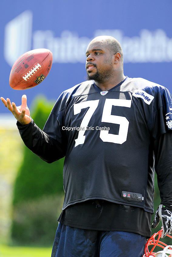 August 8, 2012 New England Patriots nose tackle Vince Wilfork #75 during joint practice between the Patriots and the Saints at Gillette Stadium in Foxborough Massachusetts. Eric Canha / CSM..