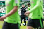 11.05.2018, Weserstadion, Bremen, GER, 1.FBL, Training SV Werder Bremen<br /> <br /> im Bild<br /> Florian Kohfeldt (Trainer SV Werder Bremen), <br /> <br /> Foto &copy; nordphoto / Ewert