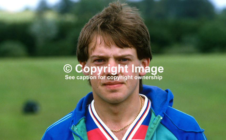 George Neill, footballer, Glentoran FC, Belfast, N Ireland, 19840088GN..Copyright Image from Victor Patterson, 54 Dorchester Park, Belfast, UK, BT9 6RJ..Tel: +44 28 9066 1296.Mob: +44 7802 353836.Voicemail +44 20 8816 7153.Skype: victorpattersonbelfast.Email: victorpatterson@me.com.Email: victorpatterson@ireland.com (back-up)..IMPORTANT: If you wish to use this image or any other of my images please go to www.victorpatterson.com and click on the Terms & Conditions. Then contact me by email or phone with the reference number(s) of the image(s) concerned.