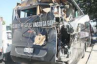 RIO DE JANEIRO, RJ, 20.02.2017 - ACIDENTE-RJ - Ônibus com time sub-15 do Vasco bate na Avenida Brasil, segundo bombeiros nao houve feridos. (Foto: Celso Barbosa/Brazil Photo Press)