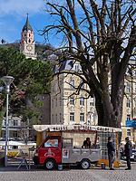 Imbiss an der Kurpromenade, Meran-Merano, Bozen &ndash; S&uuml;dtirol, Italien<br /> foodstall at spa promenade, Meran-Merano, province Bozen-South Tyrol, Italy
