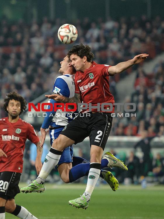 10.04.2015, HDI Arena, Hannover, GER, 1.FBL, Hannover 96 vs Hertha BSC, im Bild Leon Andreasen (Hannover #2, rechts)<br /> <br /> Foto &copy; nordphoto / Frisch
