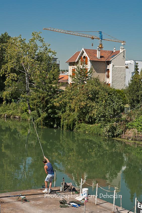 Issy les Moulineaux, 2005, L'Ile Saint Germain depuis le quai de Stalingrad