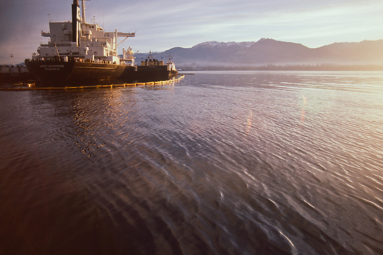 Oil Spill, Puget Sound, Super tanker Arco Anchorage lies aground in Port Angeles harbor leaking 239,000 gallons of Alaska North Slope crude oil, Washington State, December 12, 1985,