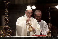 Papa Francesco celebra Messa in occasione del centenario della Congregazione per le Chiese Orientali nella Basilica di Santa Maria Maggiore a Roma, 12 ottobre 2017.<br /> Pope Francis spreads incense as he celebrates Mass on the occasion of the 100th anniversary of the Congregation for the Oriental Churches, at the Saint Mary Major Basilica in Rome, October 12, 2017.<br /> UPDATE IMAGES PRESS/Isabella Bonotto<br /> <br /> STRICTLY ONLY FOR EDITORIAL USE