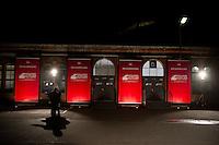 Berlin, &quot;Mitgliedervotum&quot; steht in der Nacht zum Samstag (14.12.13) in der Station Berlin auf Bannern der SPD.<br /> Foto: Steffi Loos/CommonLens