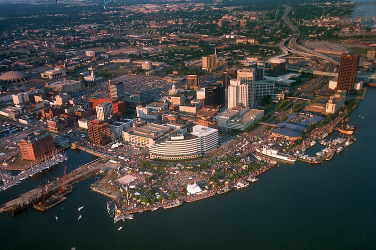 1991 June ..Redevelopment.Downtown South (R-9)..HELICOPTER.HIGH ANGLE.HARBORFEST.TOWNE POINT PARK.LOOKING EAST..NEG#.NRHA#..