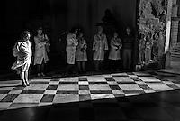 Lecce, 25 maggio 2013 - Medici in attesa della Reliquia di Giovanni Paolo II presso il Duomo di Lecce.