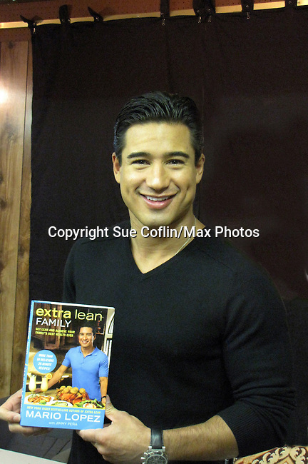 "Bold and the Beautiful Mario Lopez with his new book ""Extra Lean Family"" - Get Lean and Achieve Your Family's Best Health Ever - at a book signing on May 07, 2011 at Bookends, Ridgewood, New Jersey.  (Photo by Sue Coflin/Max Photos)"