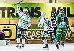 Stockholm 2014-03-05 Bandy SM-semifinal 3 Hammarby IF - V&auml;ster&aring;s SK :  <br /> V&auml;ster&aring;s Johan Esplund har gjort 1-0 p&aring; straff och jublar med V&auml;ster&aring;s Ted Bergstr&ouml;m <br /> (Foto: Kenta J&ouml;nsson) Nyckelord:  VSK Bajen HIF jubel gl&auml;dje lycka glad happy