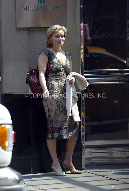 'Matrix' star Essie Davis spotted on Broadway. New York, May 12, 2004. Please byline: ACE Pictures.   .. *** ***  ..All Celebrity Entertainment, Inc:  ..contact: Alecsey Boldeskul (646) 267-6913 ..Philip Vaughan (646) 769-0430..e-mail: info@nyphotopress.com