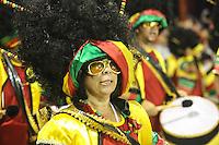 SAO PAULO, SP, 09 FEVEREIRO 2013 - CARNAVAL SP - NENE DE VILA MATILDE - Integrantes da escola de samba Nenê de Vila Matilde durante desfile no segundo dia do Grupo Especial no Sambódromo do Anhembi na região norte da capital paulista, nesta sabado, 09. (FOTO: VANESSA CARVALHO - BRAZIL PHOTO PRESS).