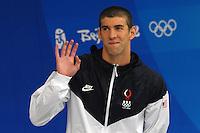 Esultanza di Michael Phelps durante l'inno dopo la vittoria con nuovo record del mondo dei 400 Misti uomini..National Acquatic Centre - Nuoto Swimming.Pechino - Beijing 10/8/2008 Olimpiadi 2008 Olympic Games.Foto Andrea Staccioli Insidefoto