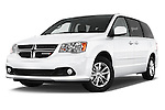 Stock pictures of low aggressive front three quarter view of 2018 Dodge Grand-Caravan SXT 5 Door Minivan Low Aggressive
