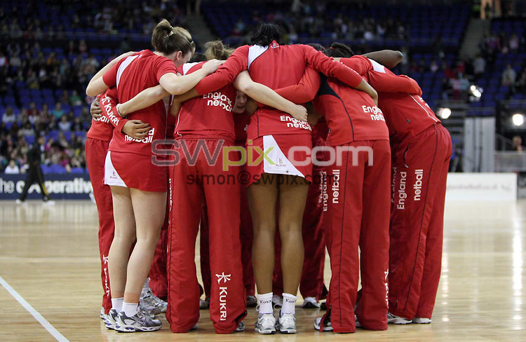 PICTURE BY Ben Duffy/SWPIX.COM - Netball - The Co-Operative International Series - England v Jamaica, First Test - O2 Arena, London, England - 22/02/09...Copyright - Simon Wilkinson - 07811267706...England's pre game team huddle