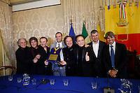 i Pooh vengono accolti da sindaco di Napoli Luigi De Magistris i