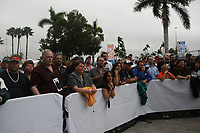 NFL Fans bei der Enthuellung der Statue zu Ehren der Dolphins von 1972<br /> AFC vs. NFC Pro Bowl, Sun Life Stadium *** Local Caption *** Foto ist honorarpflichtig! zzgl. gesetzl. MwSt. Auf Anfrage in hoeherer Qualitaet/Aufloesung. Belegexemplar an: Marc Schueler, Alte Weinstrasse 1, 61352 Bad Homburg, Tel. +49 (0) 151 11 65 49 88, www.gameday-mediaservices.de. Email: marc.schueler@gameday-mediaservices.de, Bankverbindung: Volksbank Bergstrasse, Kto.: 52137306, BLZ: 50890000