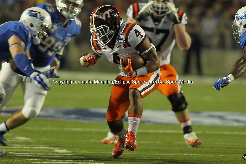 December 26, 2015: Virginia Tech TB J.C. Coleman running the ball during the 1st half of the Camping World Independence Bowl at Independence Stadium in Shreveport, LA. Justin Manning/ESW/CSM