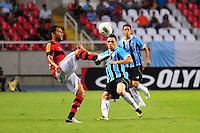 ATENCAO EDITOR: FOTO EMBARGADA PARA VEÍCULOS INTERNACIONAIS. - RIO DE JANEIRO, RJ, 16 DE SETEMBRO DE 2012 - CAMPEONATO BRASILEIRO - FLAMENGO X GREMIO - Ibson, jogador do Flamengo, durante partida contra o Gremio, pela 25a rodada do Campeonato Brasileiro, no Stadium Rio (Engenhao), na cidade do Rio de Janeiro, neste domingo, 16. FOTO BRUNO TURANO BRAZIL PHOTO PRESS