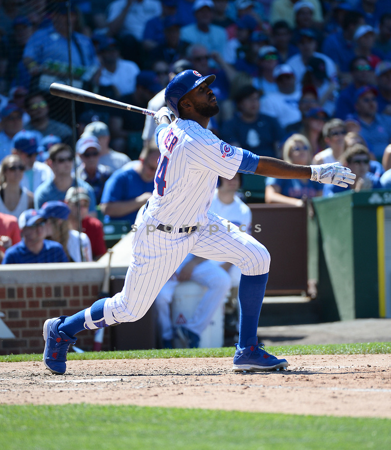 Chicago Cubs Dexter Fowler (24) during a game against the Pittsburgh Pirates on June 17, 2016 at Wrigley Field in Chicago, IL. The Cubs beat the Pirates 6-0.