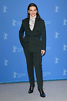 BERLIN, GERMANY - FEBRUARY 7: President of the International Jury Juliette Binoche attends the International Jury photocall during the 69th Berlinale International Film Festival Berlin at the Grand Hyatt Hotel on February 7, 2018 in Berlin, Germany.<br /> CAP/BEL<br /> ©BEL/Capital Pictures