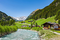 Austria, East-Tyrol, Defereggen Valley, village Rinderschinken and river Schwarzach (community St Jacob in Defereggen Valley),  at background Rieserferner Group mountains | Oesterreich, Ost-Tirol, Defereggental, Dorf Rinderschinken an der Schwarzach (Gemeinde St. Jakob im Defereggental), im Hintergrund Berge der Rieserfernergruppe
