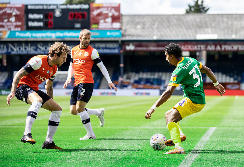 Preston North End's Scott Sinclair (right) breaks<br /> <br /> Photographer Andrew Kearns/CameraSport<br /> <br /> The EFL Sky Bet Championship - Luton Town v Preston North End - Saturday 20th June 2020 - Kenilworth Road - Luton<br /> <br /> World Copyright © 2020 CameraSport. All rights reserved. 43 Linden Ave. Countesthorpe. Leicester. England. LE8 5PG - Tel: +44 (0) 116 277 4147 - admin@camerasport.com - www.camerasport.com