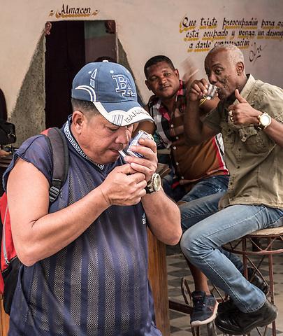 Men, rum, cigarettes and laughter, La Habana Vieja
